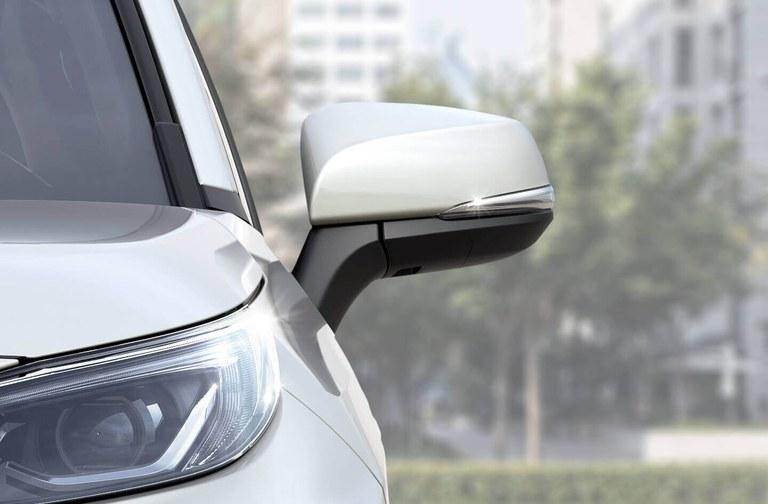 Suzuki Across Außenspiegel
