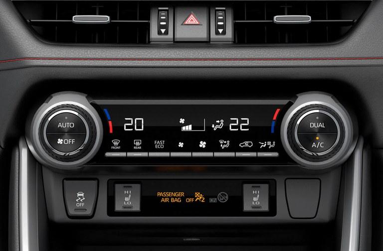 Klimaanlage mit Pollenfilter im Suzuki Swift Hybrid.