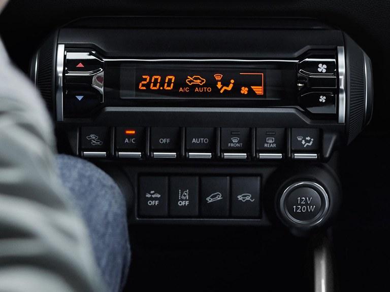 Klimaautomatik mit Pollenfilter im Suzuki Ignis Hybrid.
