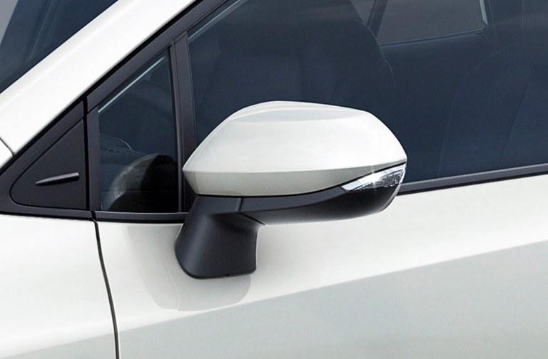 Suzuki Swace Außenspiegel