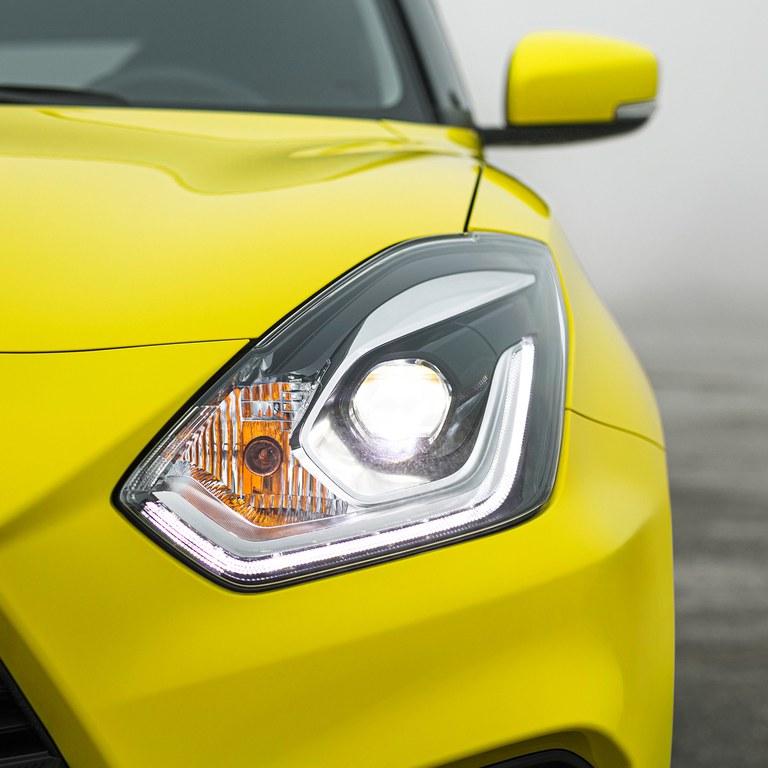 Suzuki Swift Sport LED-Scheinwerfer an
