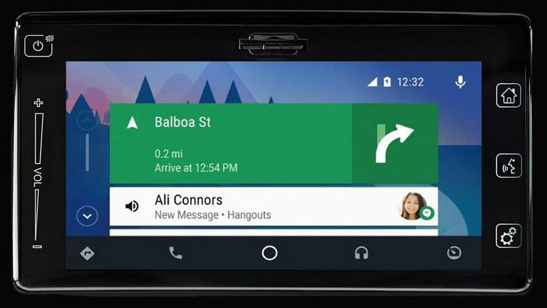 Android Auto im Suzuki Swift Hybrid.