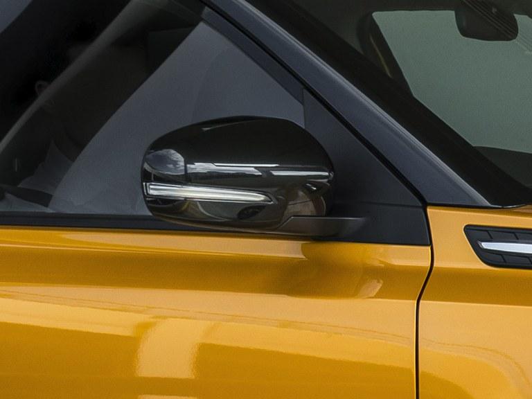 Aussenspiegel des Suzuki Vitara Hybrid.